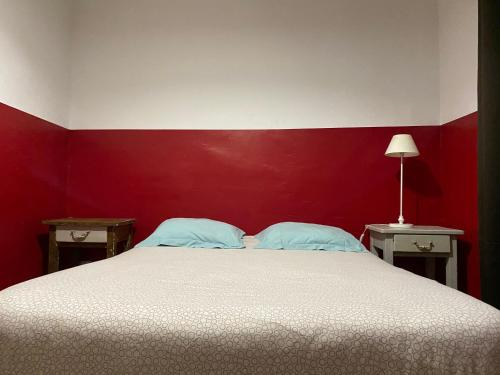 A bed or beds in a room at L'Éphémère Canebière - Gambetta