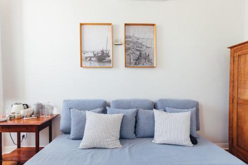 A seating area at LEGASEA - Cascais Guesthouse
