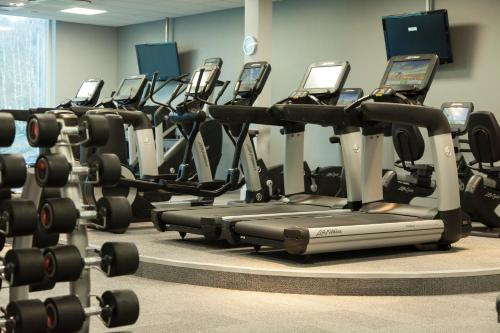 The fitness center and/or fitness facilities at Crowne Plaza Marlow, an IHG Hotel