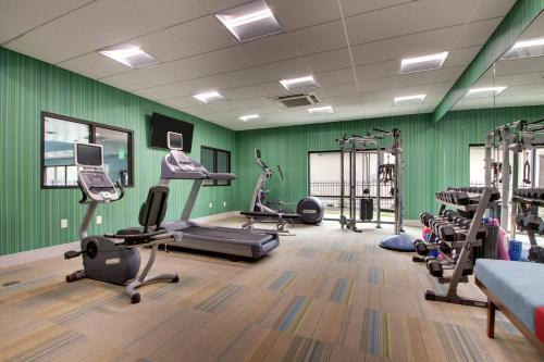 The fitness center and/or fitness facilities at Holiday Inn Express & Suites Helen, an IHG Hotel