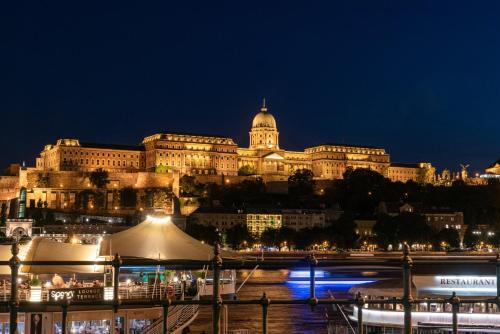 A view of the pool at InterContinental Budapest, an IHG Hotel or nearby