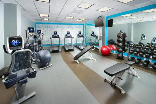 The fitness center and/or fitness facilities at Crowne Plaza Hotel Portland-Downtown Convention Center, an IHG Hotel