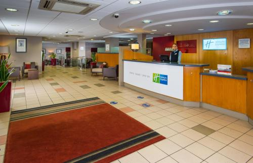 The lobby or reception area at Holiday Inn Express Droitwich Spa, an IHG Hotel