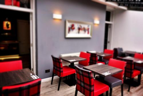 A restaurant or other place to eat at Culane House Hotel - B&B