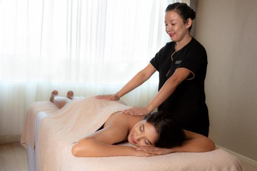 Spa and/or other wellness facilities at Kochi Marriott Hotel