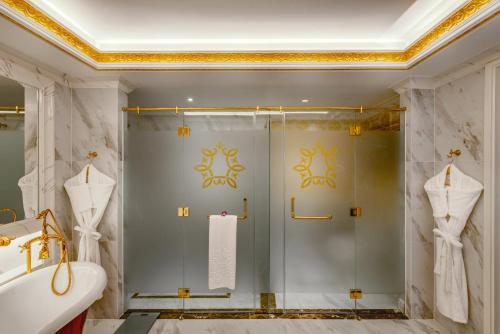 A bathroom at Dalat Palace Heritage Hotel