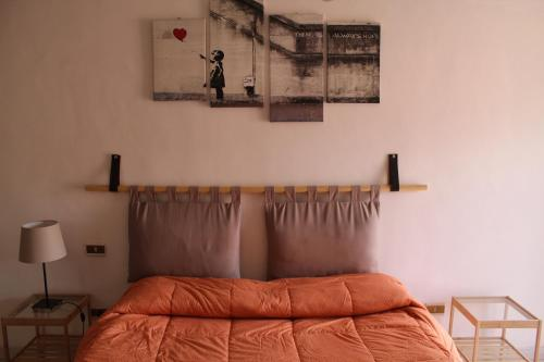 A bed or beds in a room at Little sweet escape