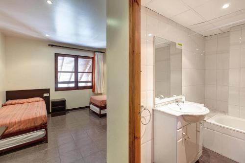 A bathroom at Alberg Les Estades
