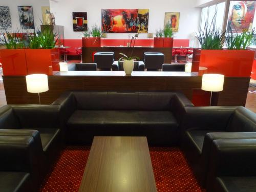 The lounge or bar area at Best Western Plus Amedia Wien
