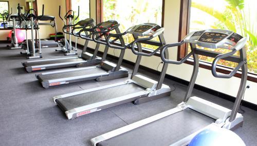 Фитнес-центр и/или тренажеры в Diamond Bay Resort & Spa