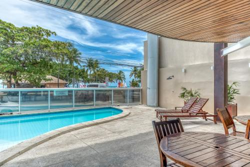 The swimming pool at or close to Hotel Praia Bonita Pajuçara