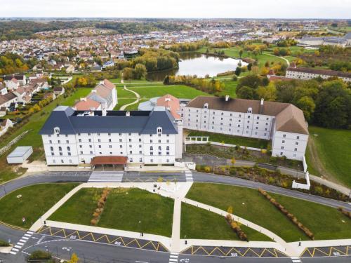 Vue panoramique sur l'établissement B&B Hôtel
