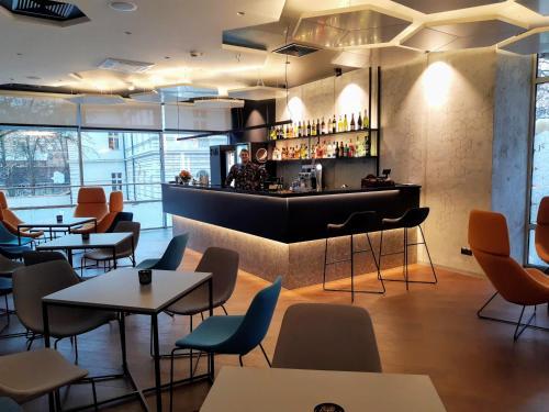 The lounge or bar area at Hotel Wyspiański