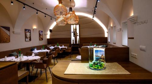A restaurant or other place to eat at Hotel Restaurant zur Post