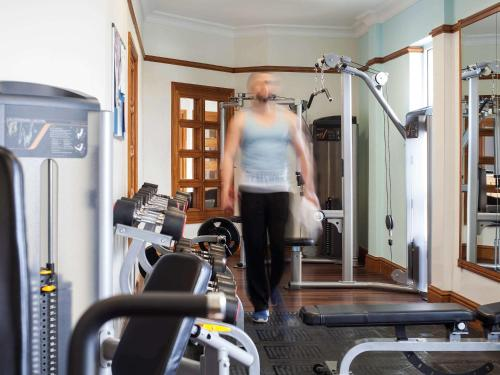 The fitness centre and/or fitness facilities at Mercure St. Albans Noke Hotel