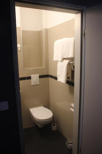 A bathroom at Ootel.com