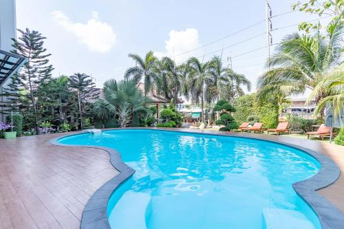 The swimming pool at or close to Silver Gold Garden, Suvarnabhumi Airport