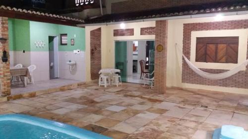 A bathroom at LINDO SOBRADO COM PISCINA PARA ATÉ 10 HÓSPEDES!