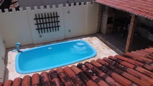 The swimming pool at or close to LINDO SOBRADO COM PISCINA PARA ATÉ 10 HÓSPEDES!