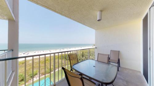 A balcony or terrace at Incredible Views from this Renovated Beachfront Getaway @ the Apollo!!!