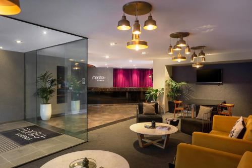 The lobby or reception area at Mantra Southbank