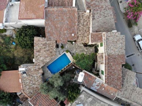 A bird's-eye view of To Spiti Sto Xorko