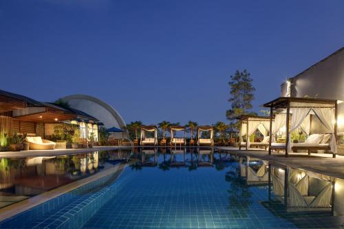 The swimming pool at or close to Aryaduta Bandung