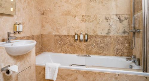 A bathroom at The Five Arrows Hotel