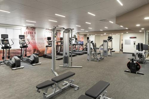 The fitness center and/or fitness facilities at Courtyard by Marriott Charlottesville - University Medical Center