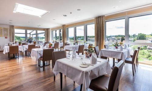 Ресторан / где поесть в Hotel Swiss Star