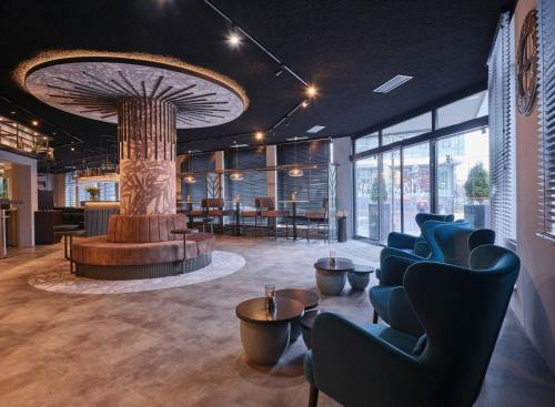 The lobby or reception area at Best Western Plus Hotel Regence