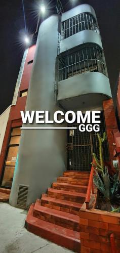 Deluxe Hostal GGG