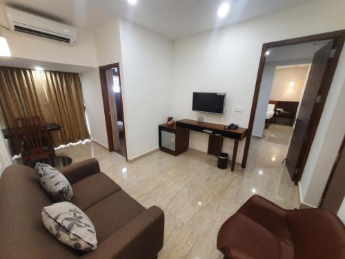 A seating area at Hotel Aida