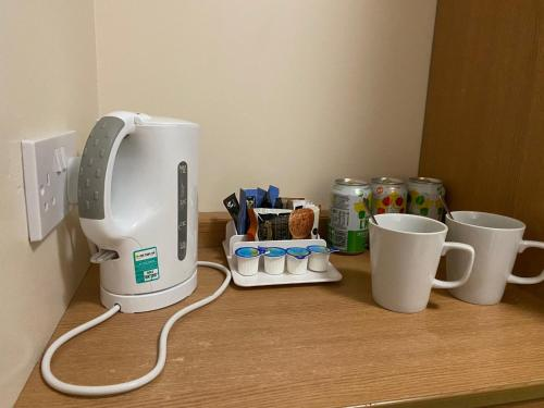 Coffee and tea making facilities at Days Inn Michaelwood M5