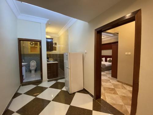 Um banheiro em Aldana Alhezam aldaeri