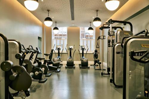 The fitness center and/or fitness facilities at Kimpton - Fitzroy London, an IHG Hotel