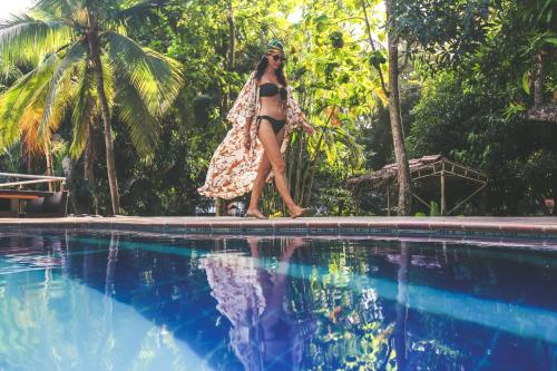 The swimming pool at or near Manigua Tayrona Hostel