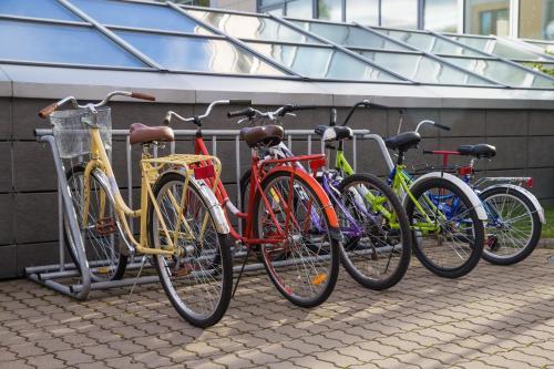 Катание на велосипеде по территории Residence Hotel & Spa или окрестностям