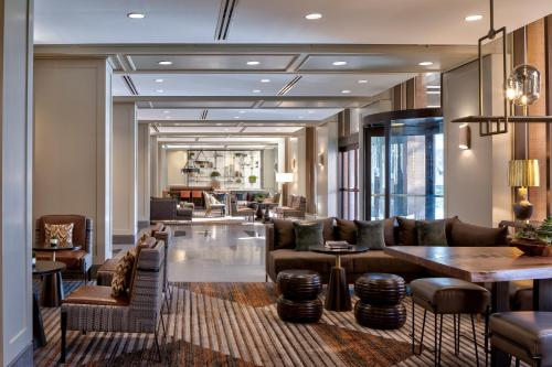 A restaurant or other place to eat at JW Marriott Houston