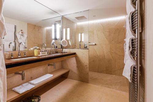 Salle de bains dans l'établissement Auberge Saint Walfrid