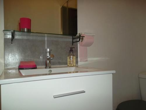A kitchen or kitchenette at Appartement Malo
