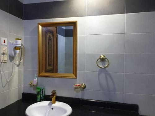 حمام في فندق رهف المشاعر