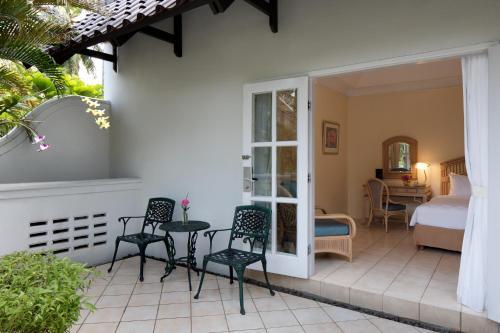 A seating area at Aryaduta Lippo Village