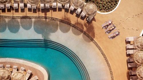 נוף של הבריכה ב-Mitsis Norida Beach Hotel או בסביבה