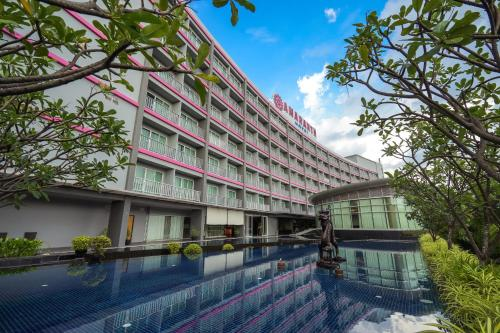 The swimming pool at or close to Amaranth Suvarnabhumi Airport, BW Premier Collection by Best Western