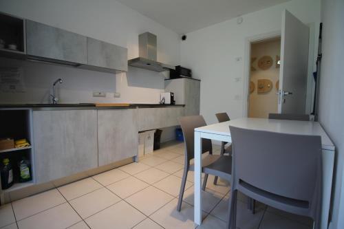 Cucina o angolo cottura di Komodo short stay apartments