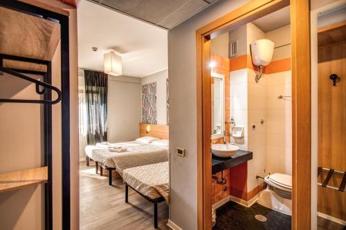 A bathroom at Scheppers Hotel&Hostel