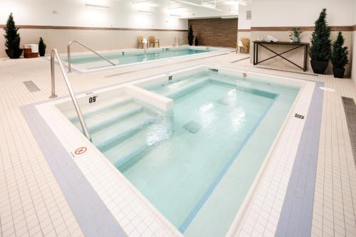 The swimming pool at or near The Crimson Jasper