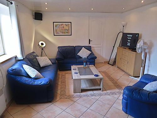 A seating area at Villa Le Bon Temps