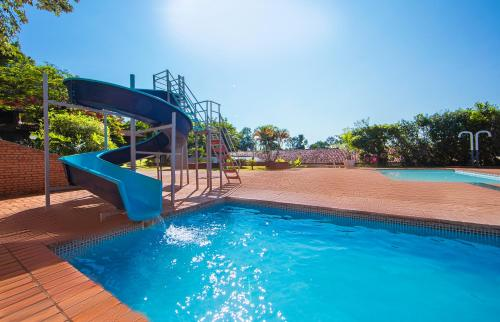 The swimming pool at or near Hotel Colonial Iguaçu